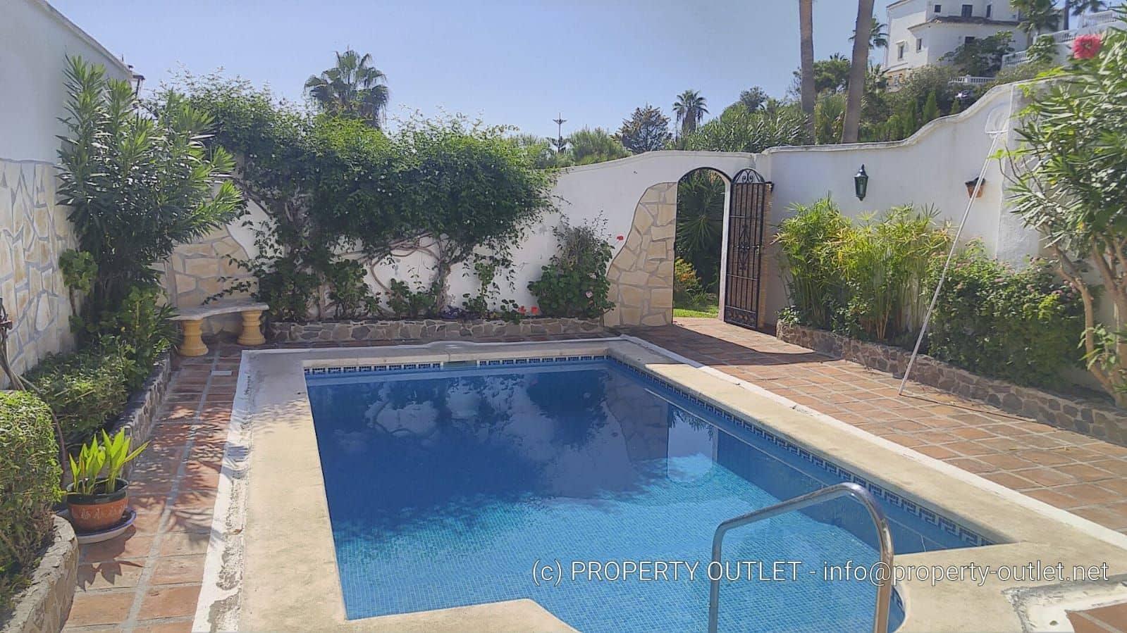3 slaapkamer Halfvrijstaande villa te huur in Torrox-Costa met zwembad - € 2.800 (Ref: 5041355)
