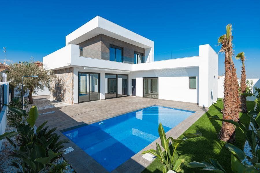Chalet de 3 habitaciones en Pilar de la Horadada en venta con piscina garaje - 409.900 € (Ref: 4176843)