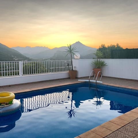 4 chambre Villa/Maison Mitoyenne à vendre à Gandia avec piscine - 272 000 € (Ref: 4788138)