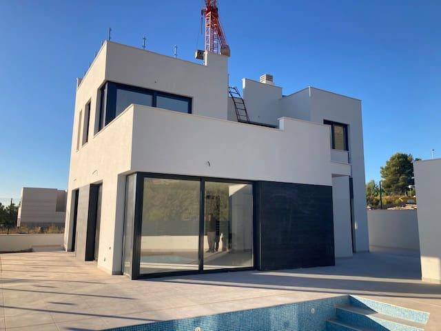 4 sypialnia Willa na sprzedaż w La Nucia z basenem - 385 000 € (Ref: 5883276)