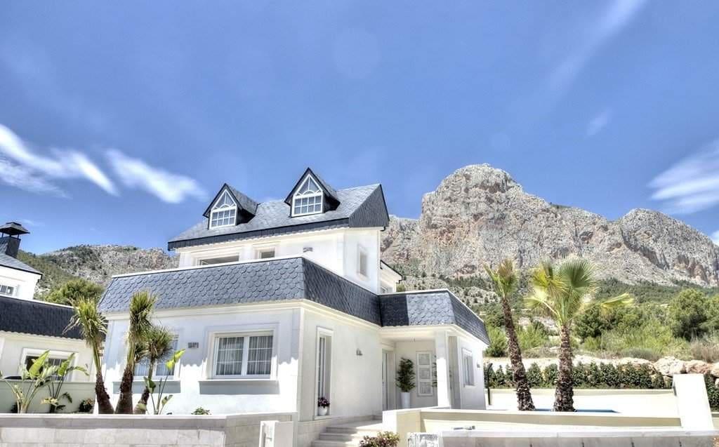 Chalet de 3 habitaciones en Polop en venta - 354.000 € (Ref: 4099097)