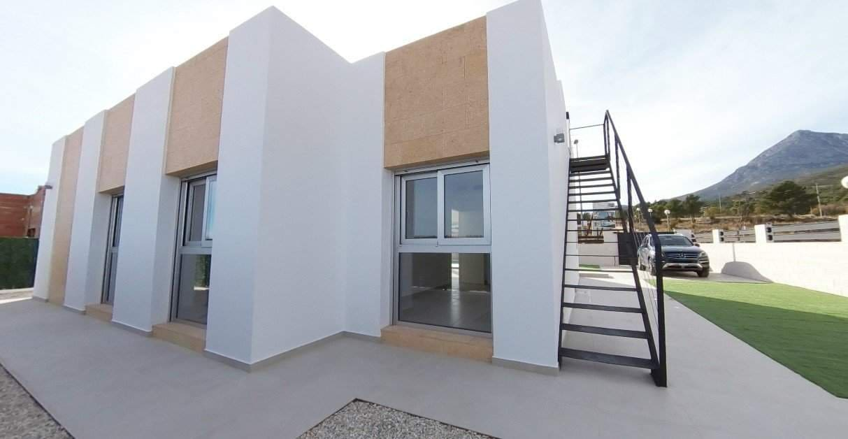 Chalet de 3 habitaciones en Polop en venta - 345.000 € (Ref: 4517393)