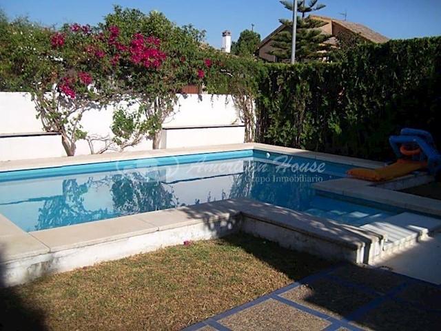 4 sypialnia Willa na sprzedaż w Dos Hermanas z basenem - 497 000 € (Ref: 3741634)