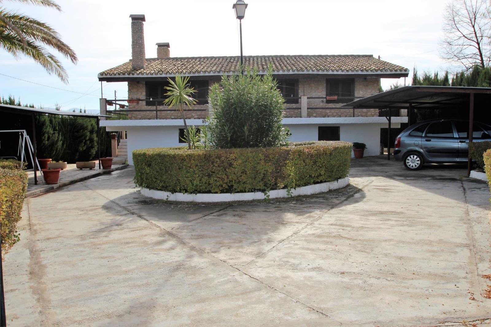 4 bedroom Villa for sale in Salinas with garage - € 175,000 (Ref: 4320693)
