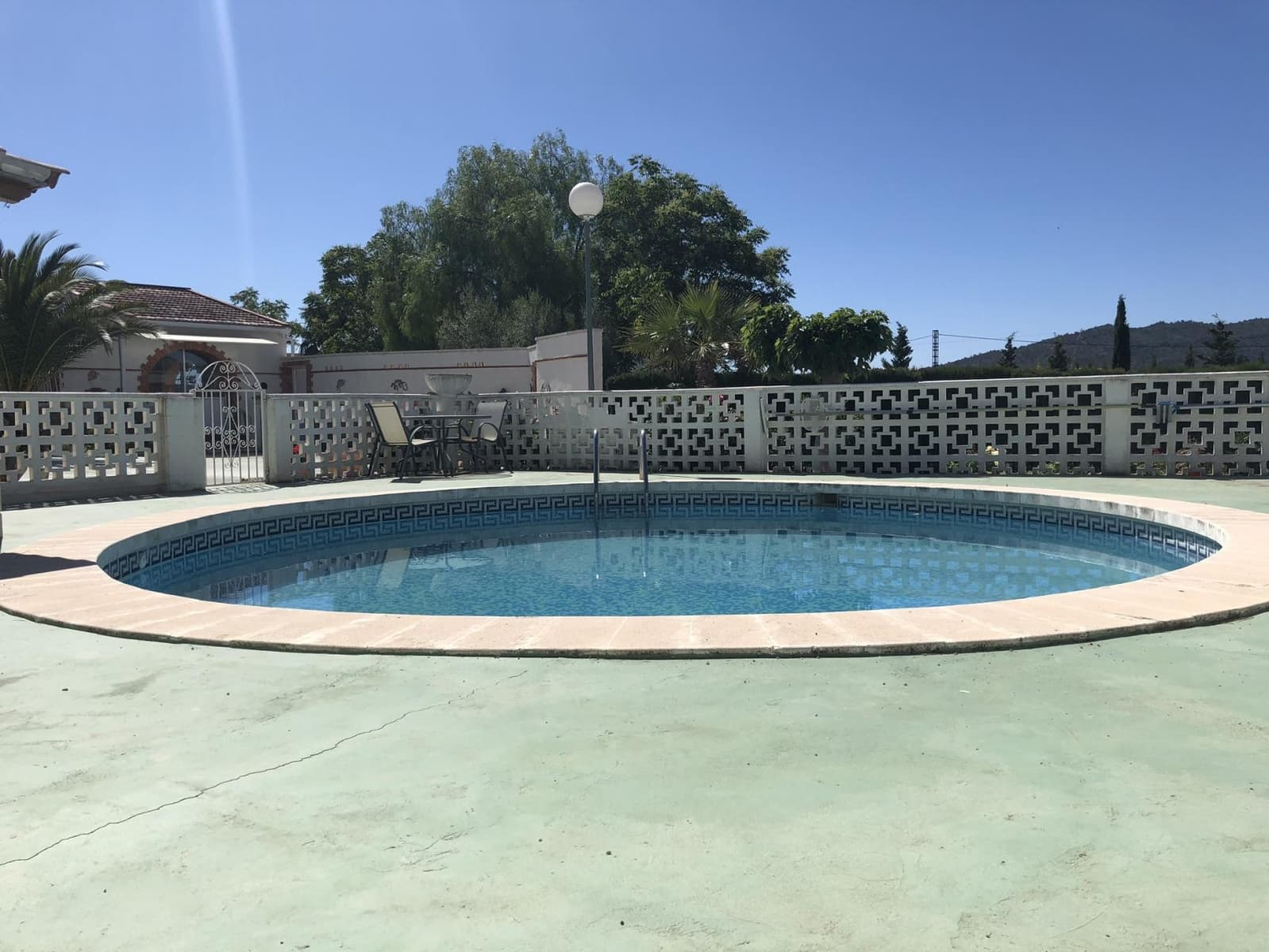 4 bedroom Villa for sale in Salinas with pool - € 175,000 (Ref: 4619150)