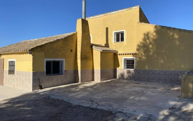 5 bedroom Finca/Country House for sale in Caudete with pool garage - € 99,995 (Ref: 5643021)