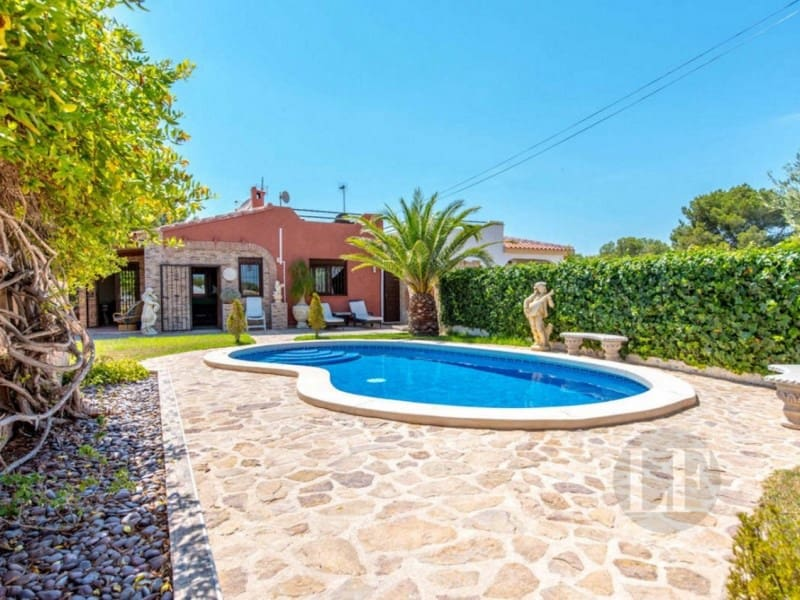 3 bedroom Villa for sale in Torrevieja with pool - € 337,000 (Ref: 5455952)
