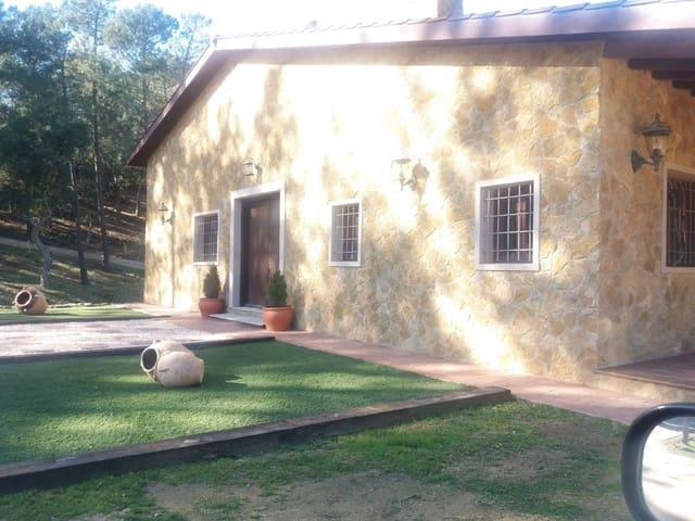 3 chambre Finca/Maison de Campagne à vendre à Lloret de Mar avec garage - 395 000 € (Ref: 3936902)