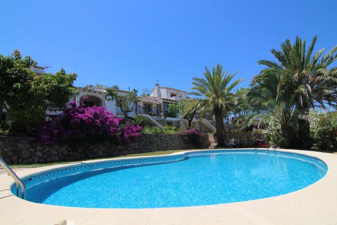4 chambre Villa/Maison Mitoyenne à vendre à Benidoleig avec piscine - 165 000 € (Ref: 5541433)