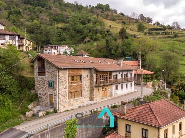 9 bedroom Villa for sale in Lena - € 760,000 (Ref: 4859086)