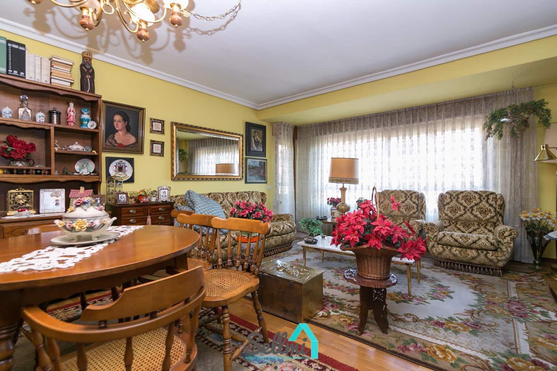 3 slaapkamer Flat te huur in Oviedo - € 600 (Ref: 5196025)