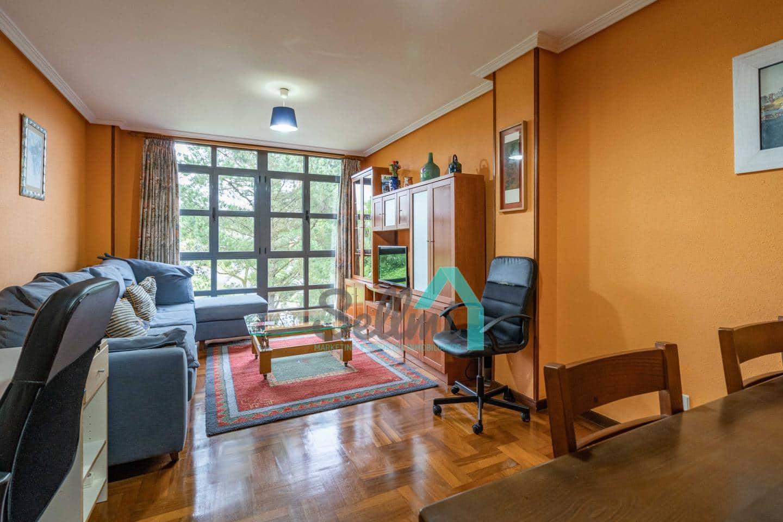 2 slaapkamer Flat te huur in Oviedo - € 550 (Ref: 5248917)