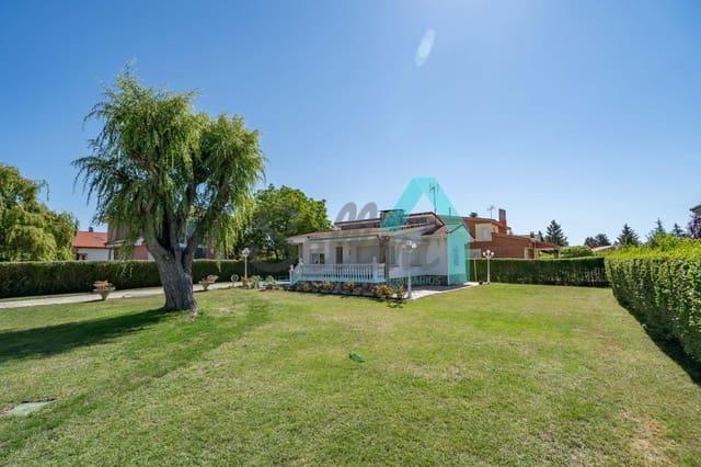 Chalet de 3 habitaciones en Valencia de Don Juan en venta - 147.000 € (Ref: 5855210)