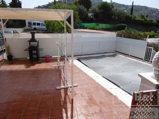 2 sovrum Radhus att hyra i Sayalonga med pool - 800 € (Ref: 3943656)