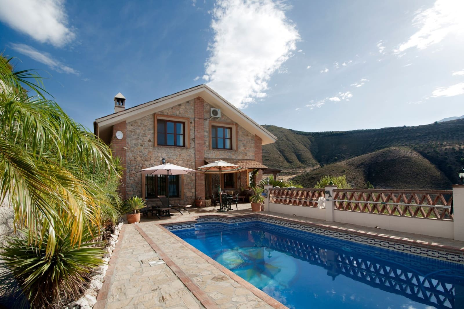 4 bedroom Finca/Country House for sale in Alcaucin with pool - € 394,900 (Ref: 4757198)