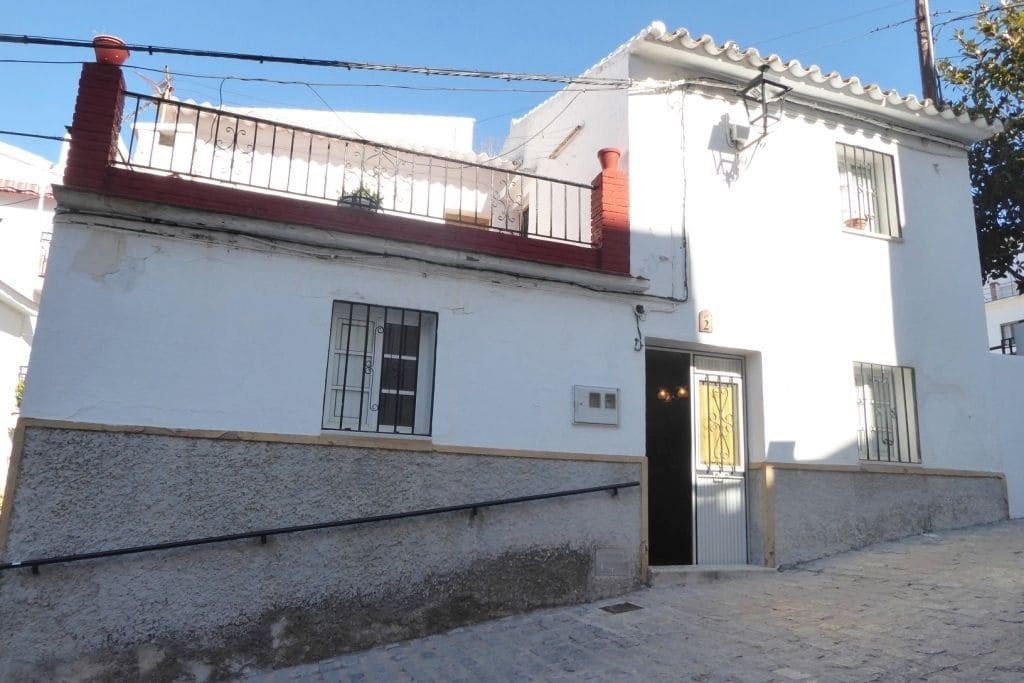 3 bedroom Townhouse for sale in Canillas de Aceituno - € 65,000 (Ref: 4758209)