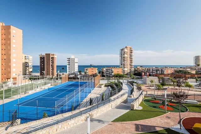 Apartamento de 2 habitaciones en Benidorm en alquiler vacacional con piscina garaje - 1.000 € (Ref: 3599796)