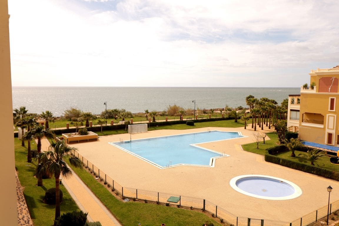 2 bedroom Apartment for holiday rental in Isla Canela with pool - € 850 (Ref: 3661530)