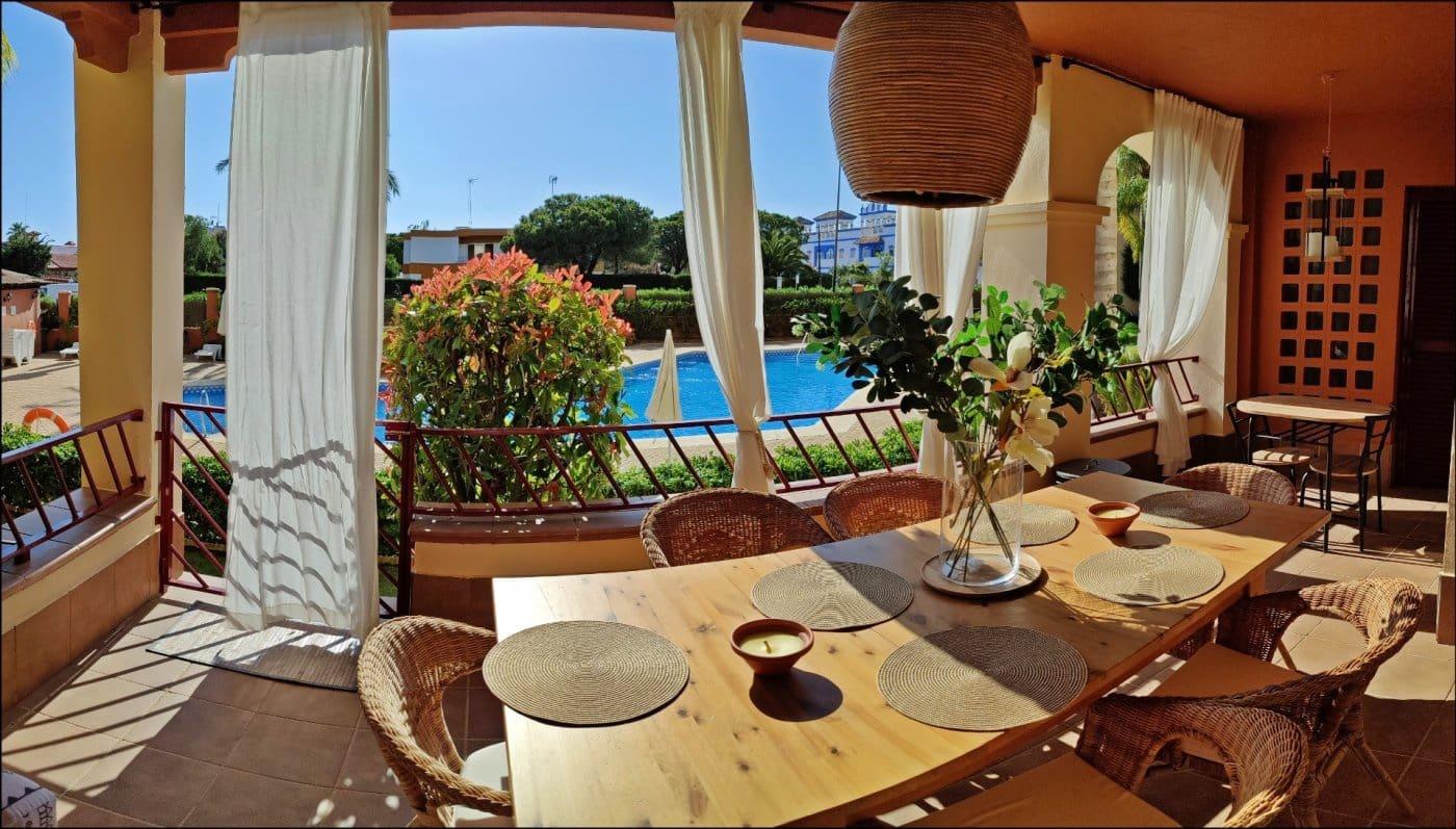 2 slaapkamer Appartement voor vakantieverhuur in Isla Canela met zwembad - € 1.050 (Ref: 3811496)