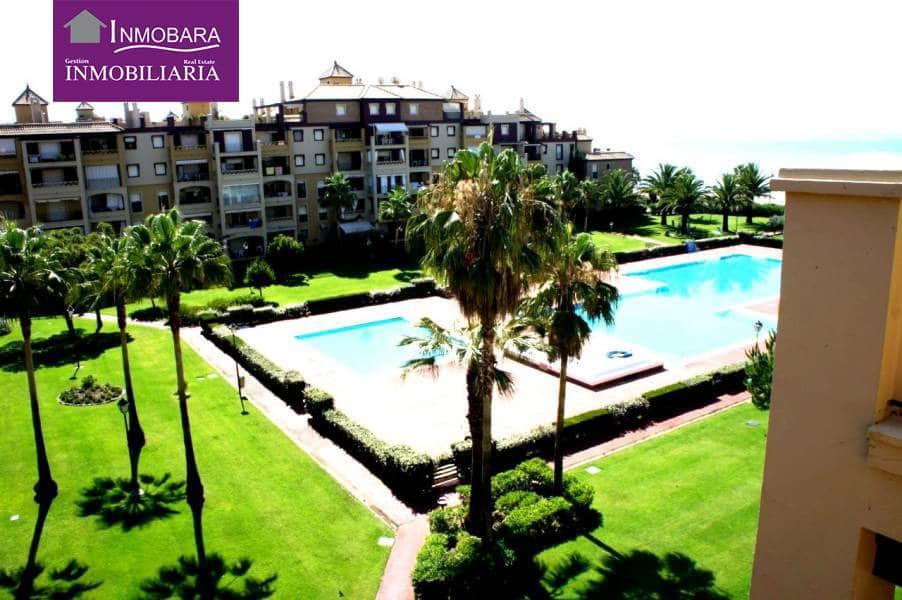 3 bedroom Apartment for holiday rental in Isla Canela with pool - € 2,050 (Ref: 3822936)
