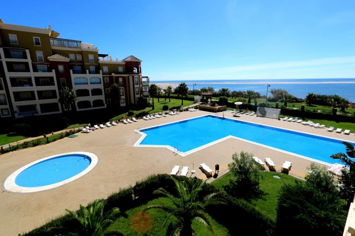 3 bedroom Apartment for holiday rental in Isla Canela with pool - € 1,900 (Ref: 3895815)