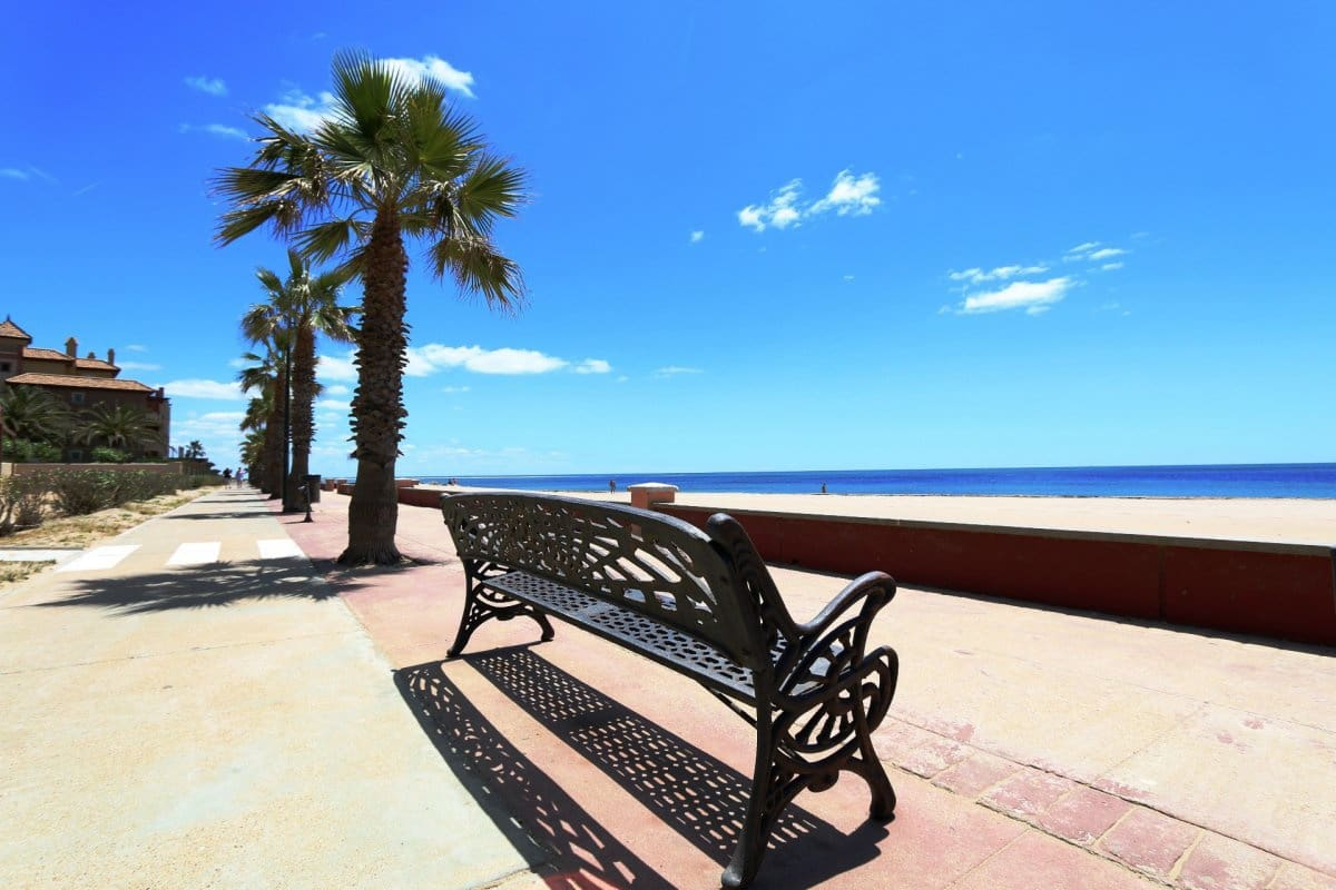 2 bedroom Apartment for holiday rental in Isla Canela with pool - € 1,700 (Ref: 3946274)