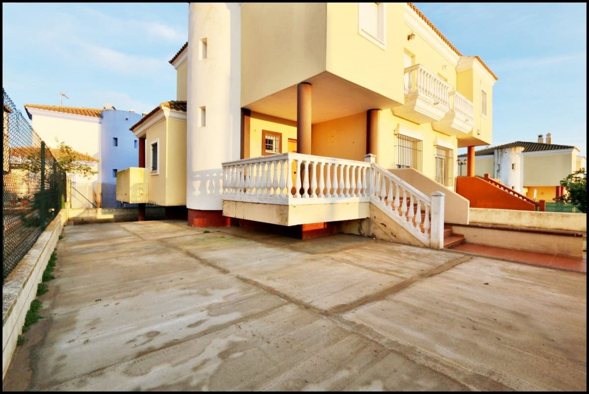 4 sovrum Semi-fristående Villa till salu i Ayamonte med garage - 210 000 € (Ref: 5048709)