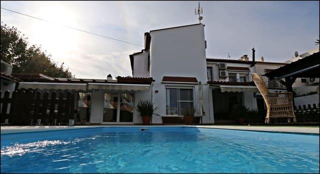 4 sypialnia Dom blizniak na sprzedaż w Ayamonte z basenem garażem - 315 000 € (Ref: 5709472)