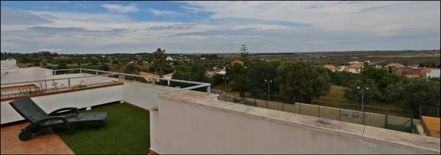 3 bedroom Penthouse for sale in Ayamonte with pool - € 147,000 (Ref: 6191043)