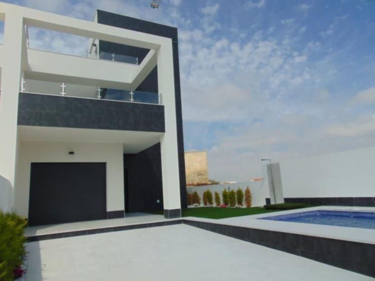 Chalet de 3 habitaciones en Benijófar en venta - 260.000 € (Ref: 5088744)