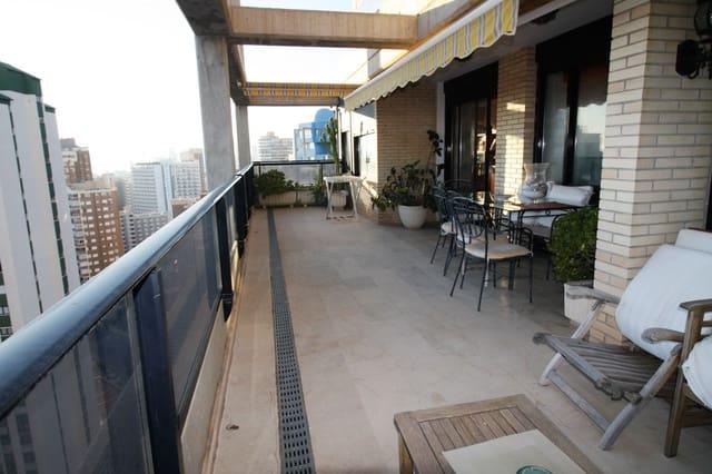 2 soveværelse Lejlighed til salg i Benidorm med swimmingpool garage - € 339.000 (Ref: 5307116)