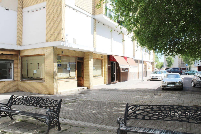 Commercial for rent in Merida - € 390 (Ref: 4545587)