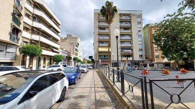 2 soveværelse Lejlighed til leje i Merida med garage - € 550 (Ref: 6044836)