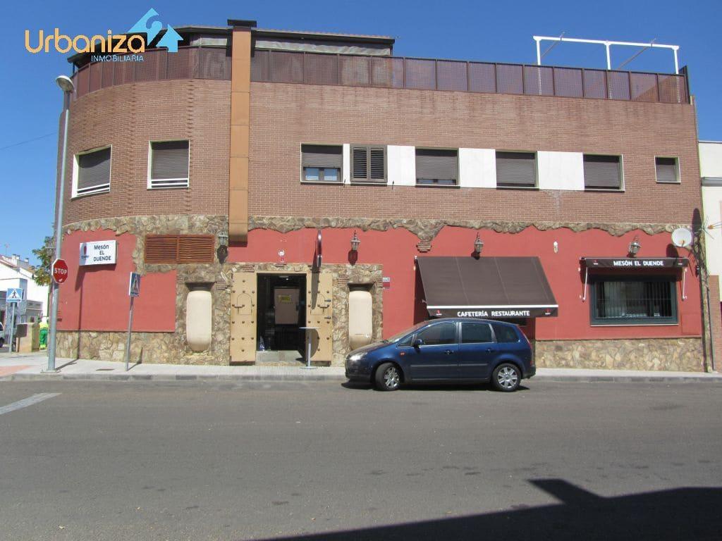 Commercial for sale in Badajoz city - € 120,000 (Ref: 3749042)