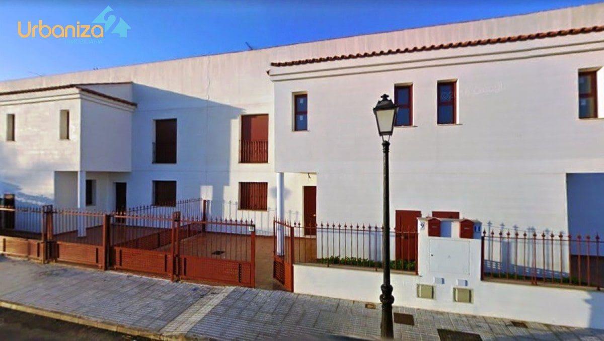 Adosado de 3 habitaciones en Olivenza en venta - 85.000 € (Ref: 4012748)