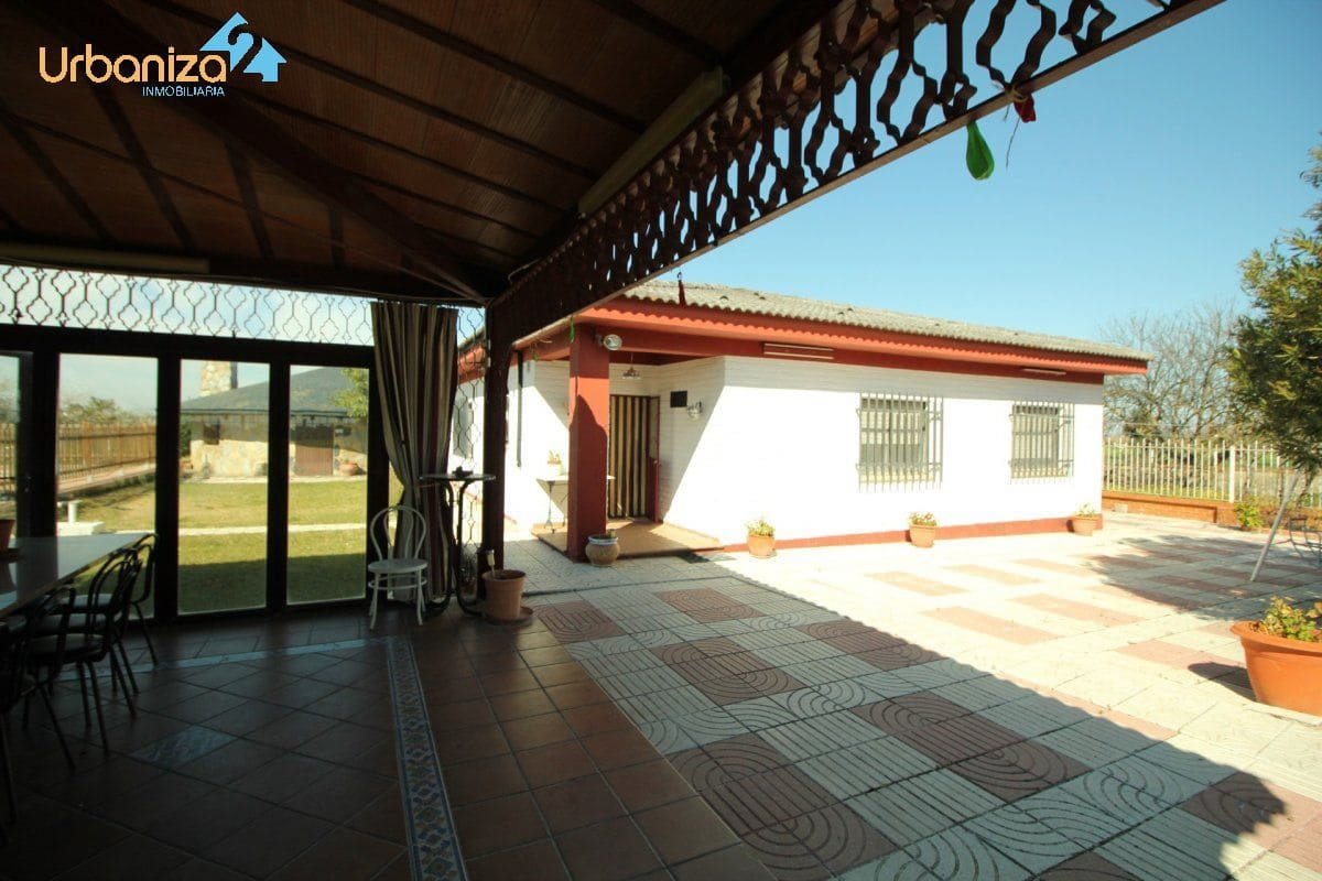 10 bedroom Finca/Country House for sale in Badajoz city - € 400,000 (Ref: 4527140)