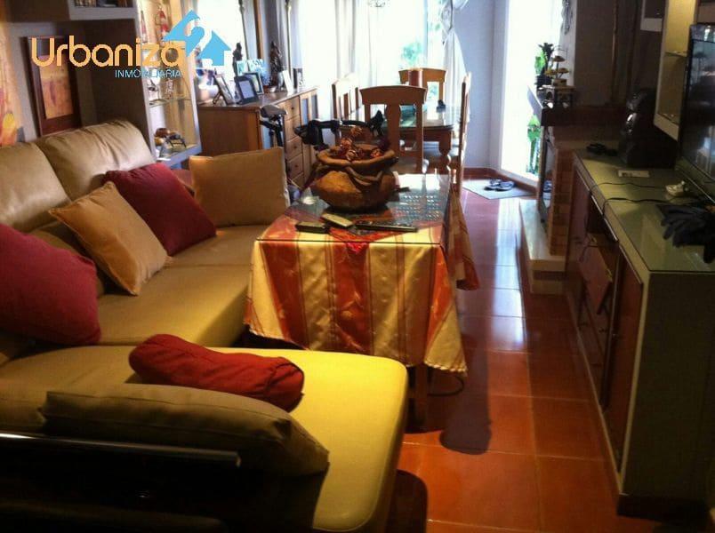 4 sypialnia Dom szeregowy na sprzedaż w Miasto Badajoz z basenem - 210 000 € (Ref: 4920837)