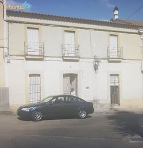 3 bedroom Villa for sale in Orellana la Vieja - € 73,900 (Ref: 4920916)