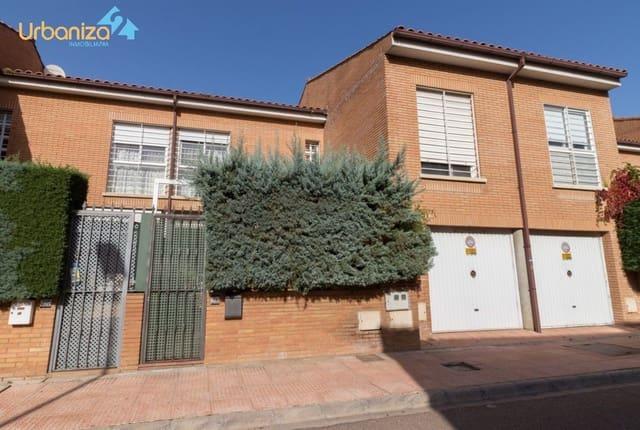 4 soveværelse Rækkehus til salg i Badajoz by med garage - € 320.000 (Ref: 5360724)