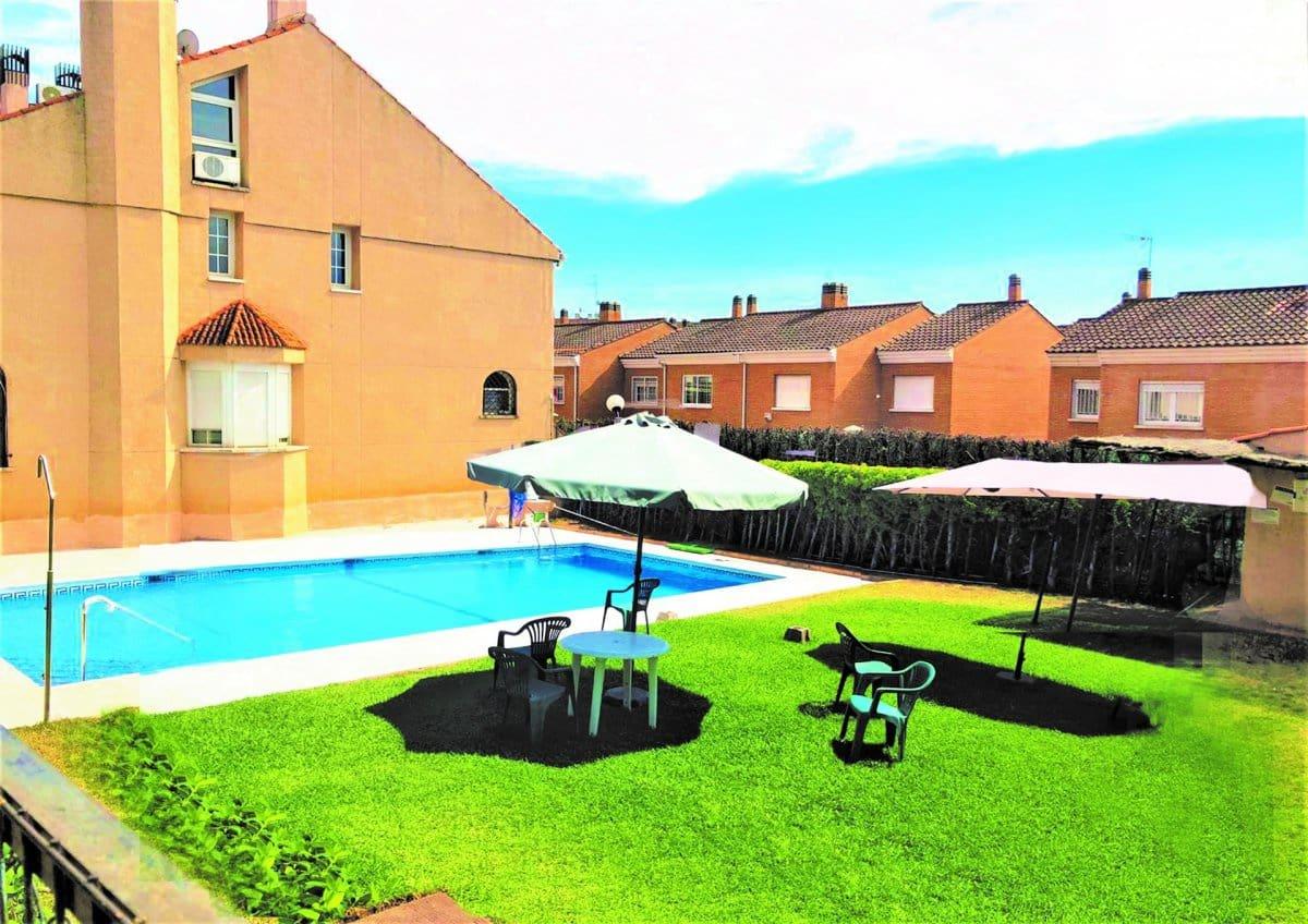 4 sypialnia Dom szeregowy na sprzedaż w Miasto Badajoz z garażem - 309 900 € (Ref: 5463048)