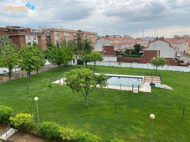 2 soveværelse Lejlighed til leje i Badajoz by med swimmingpool garage - € 480 (Ref: 6016137)