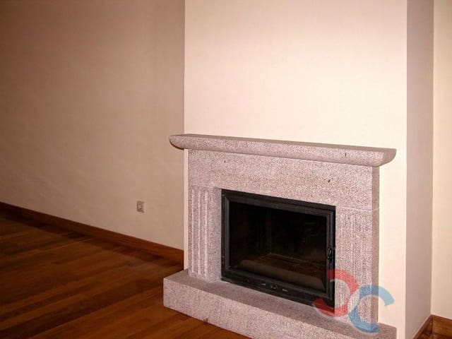 3 Zimmer Wohnung zu verkaufen in Lourizan mit Garage - 125.000 € (Ref: 4803067)