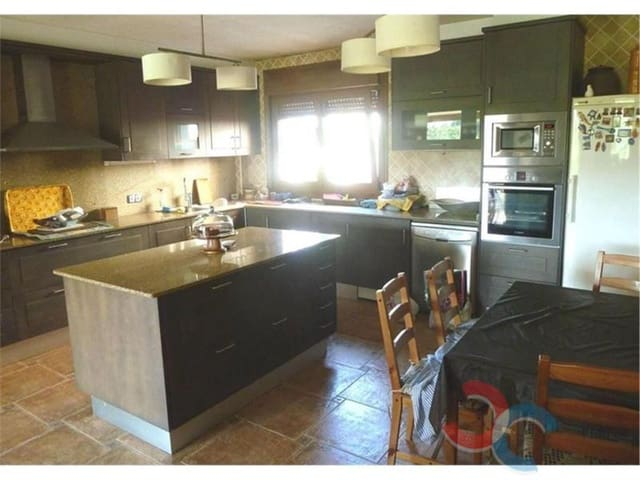 4 bedroom Townhouse for sale in Moana with garage - € 435,000 (Ref: 4803290)