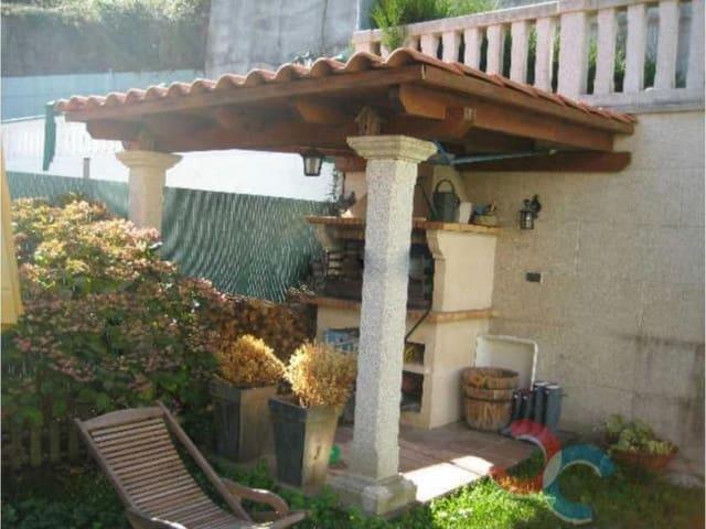 6 soveværelse Byhus til salg i Cangas med garage - € 290.000 (Ref: 4803309)