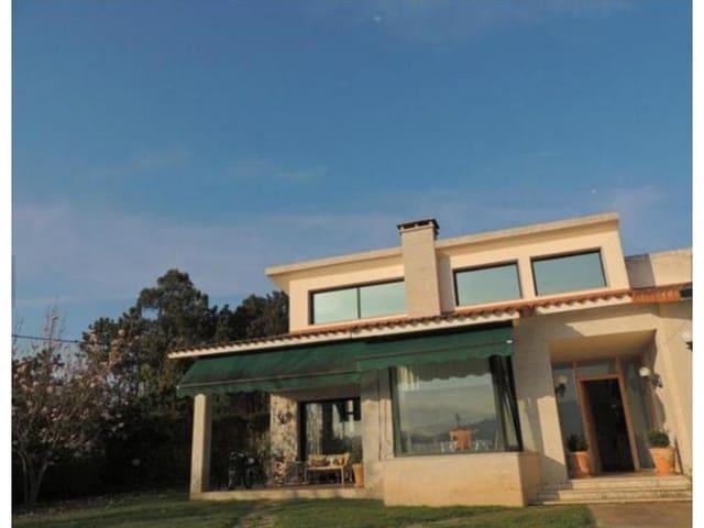 Casa de 4 habitaciones en Nigrán en venta con garaje - 460.000 € (Ref: 4803320)