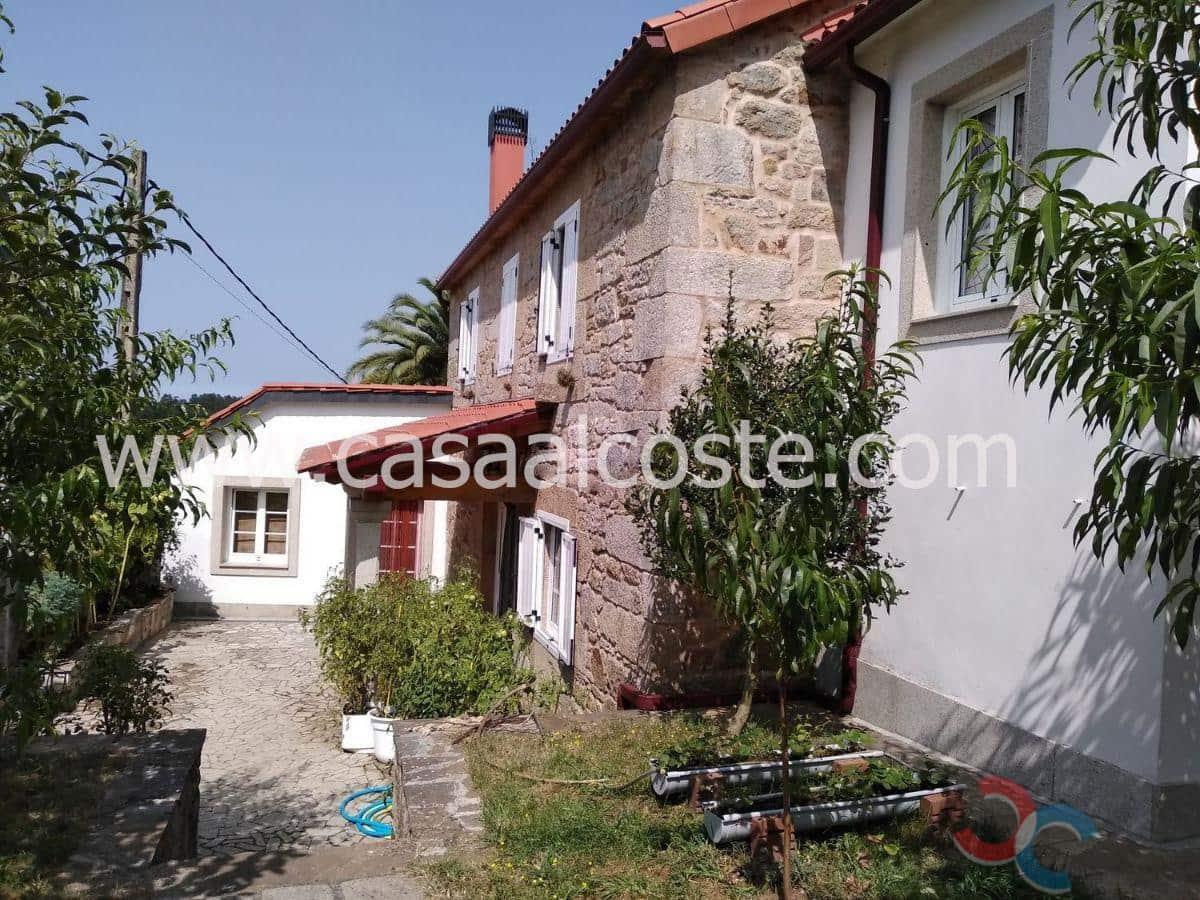 Casa de 3 habitaciones en Silleda en venta con garaje - 205.000 € (Ref: 4803436)
