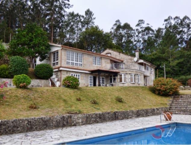 7 sypialnia Willa na sprzedaż w Cotobade z basenem garażem - 530 000 € (Ref: 5181954)