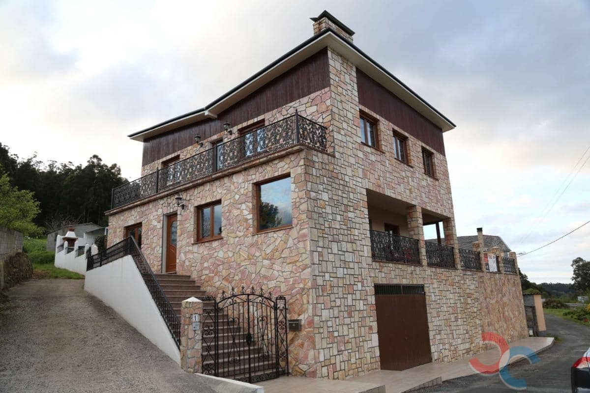 Chalet de 5 habitaciones en Viveiro en venta con piscina garaje - 415.000 € (Ref: 5217441)