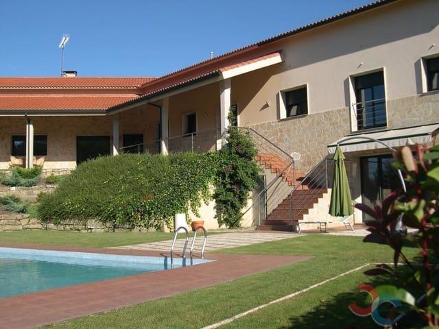 Casa de 4 habitaciones en Ames en venta con piscina garaje - 435.000 € (Ref: 5221289)