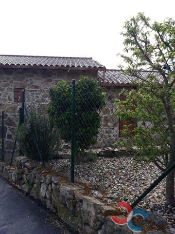 2 makuuhuone Omakotitalo myytävänä paikassa A Caniza mukana  autotalli - 148 000 € (Ref: 5221292)
